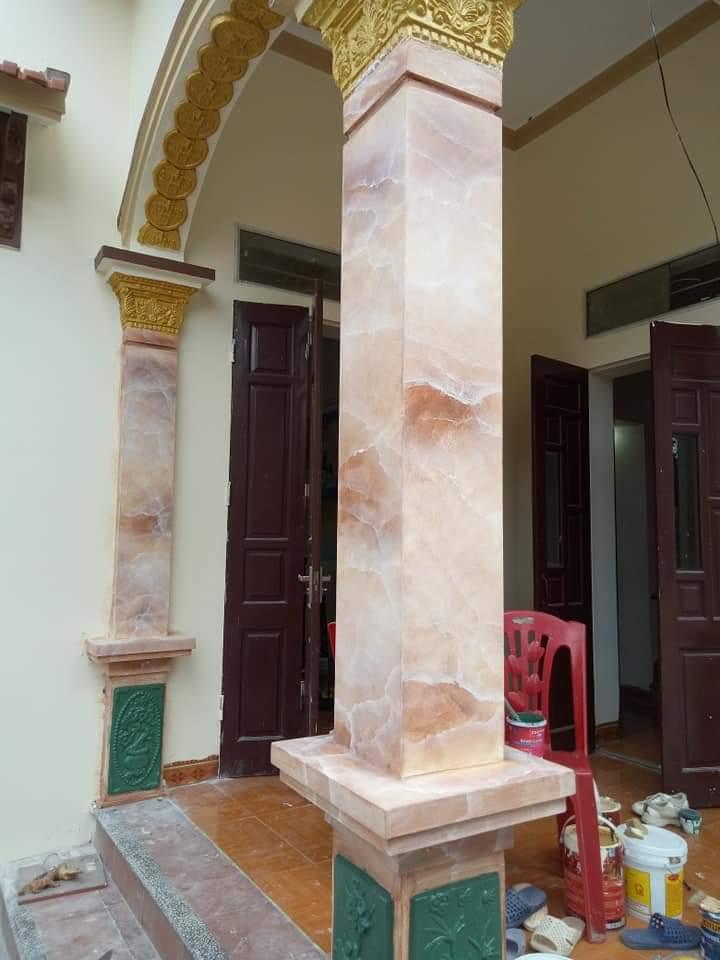 cột vuông cẩm thạch